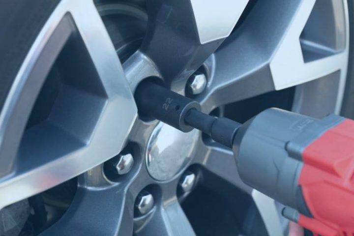 applications of titanium   car wheels